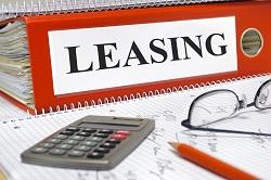 Ordner mit Leasing-Unterlagen