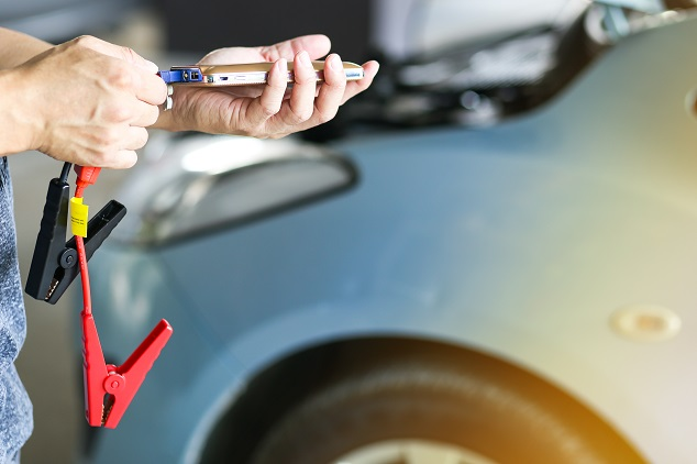 Beliebte Gegenstände im Auto: Starthilfegerät