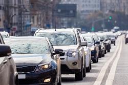 Autos im Stadtverkehr