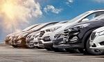 Mehrere Gebrauchtwagen warten auf neue Besitzer