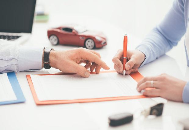 Beim Autoverkauf Ist Auch Privat Ein Vertrag Notwendig