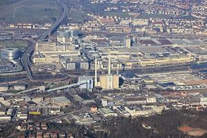 Luftbild von Stuttgart mit dem Mercedes-Benz-Werk in Untertürkheim