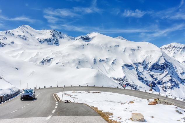 Mit Auto in den Skiurlaub